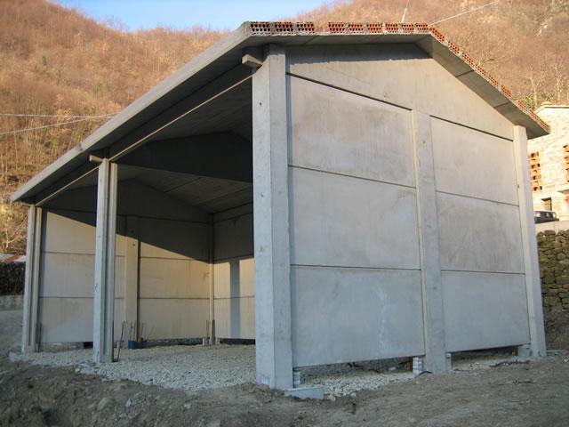 Realizzazione di un prefabbricato agricolo in cemento for Piani di garage prefabbricati